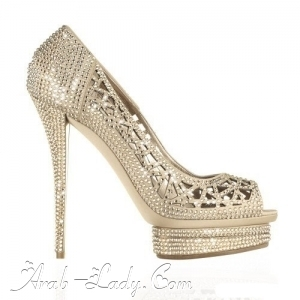 تألقي مع هذه التشكيلة المميزة من الأحذية