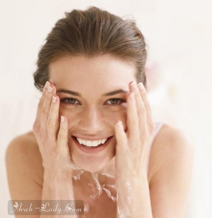 جربي الزيوت الطبيعية لتنظيف البشرة